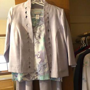 Women's linen-look pantsuit w/2 matching tops